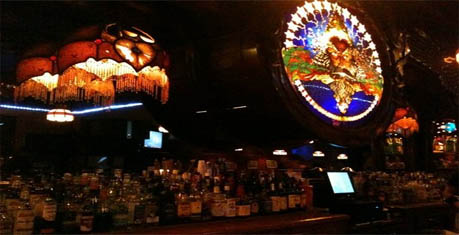 Stobers Cocktail Lounge :: Lansing-Bars.com :: Lansing Bars :: East Lansing Bars